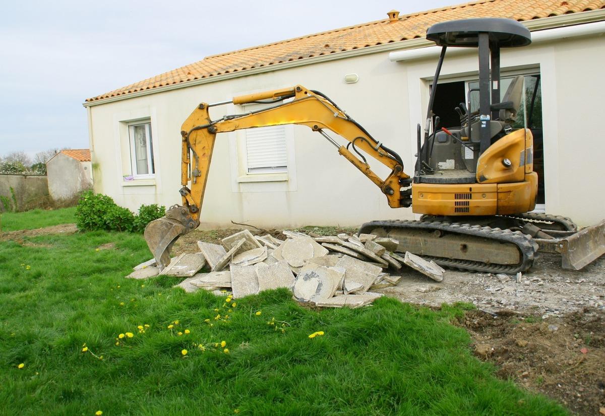 Travaux de terrassement pour la construction d'une terrasse